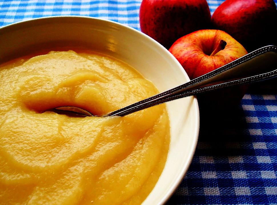 взбиваем яблоки в яблочное пюре